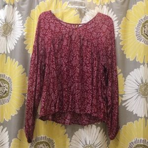 Old Navy red and white printed peasant top
